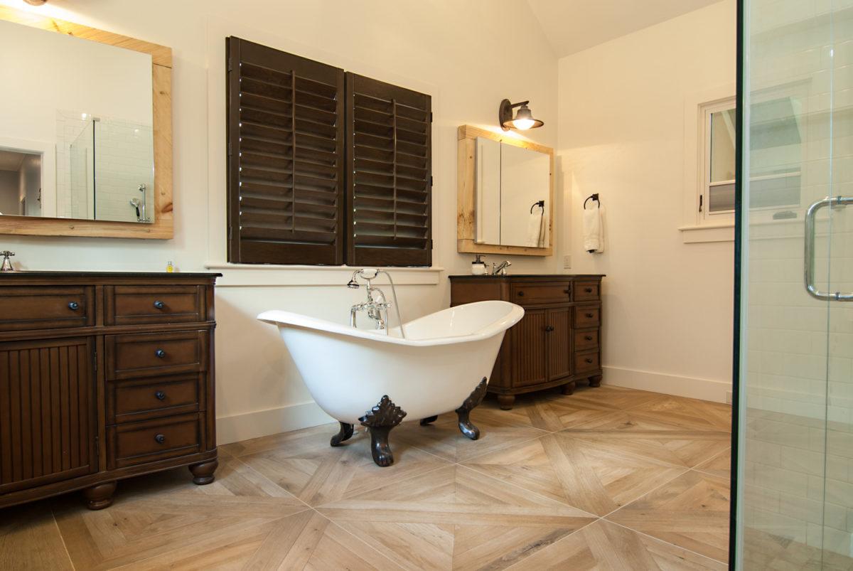 Custom Home Luxury Cottage Davidson NC McMillan Builders RGB0077