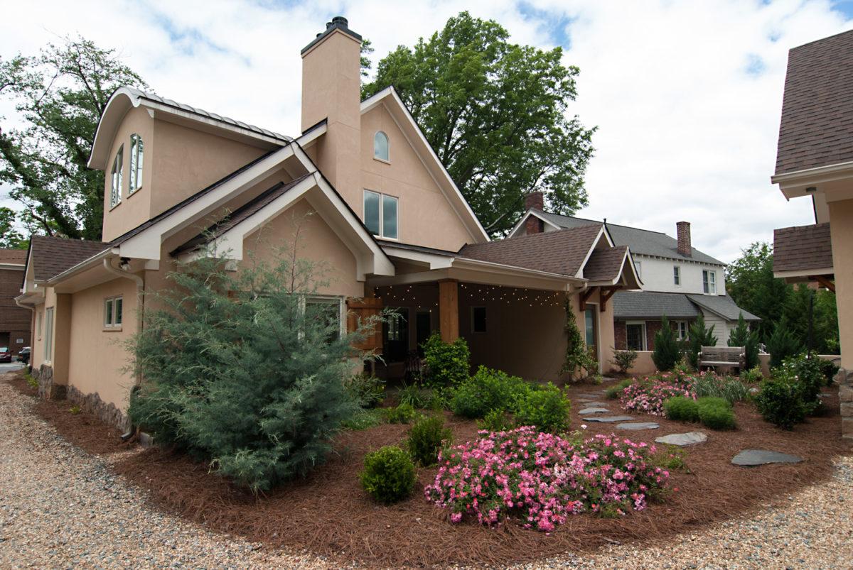 Custom Home Luxury Cottage Davidson NC McMillan Builders RGB0113